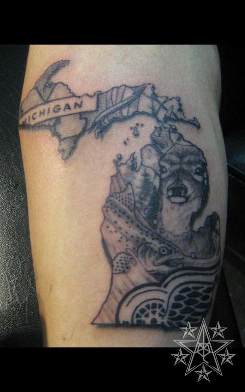 Sports tattoos muskegon michigan usa for Best tattoo artists in michigan